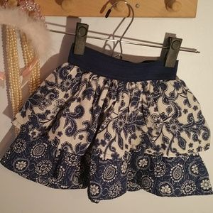 Childrens Place Size 6X Blue White Ruffled Skirt